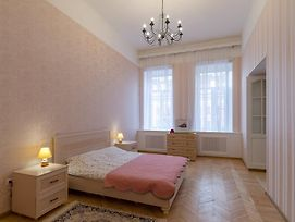 Apartment On Nevsky Prospect 79 photos Exterior