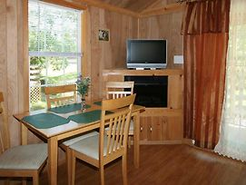 Robin Hill Camping Resort Premium Cottage 11 photos Exterior