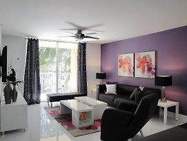 The Purple Apartment At The Yacht Club Of Aventura photos Exterior