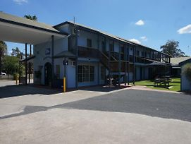 Best Western Colonial Motel photos Exterior