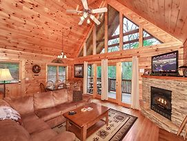Enchanted View Lodge 3 Bedrooms Pool Access Mountain View Sleeps 10 photos Exterior