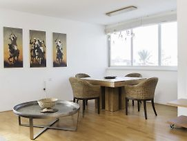 Spacious 3Bd In Herzliya W/ Private Parking By Sea N' Rent photos Exterior
