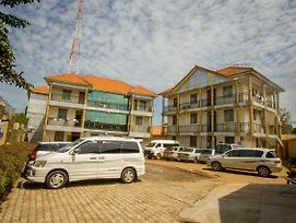 Platinum Royale Hotel photos Exterior