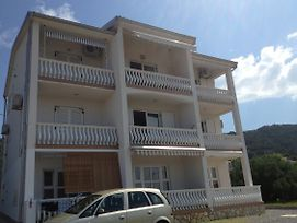 Apartments With A Parking Space Barbat, Rab - 11532 photos Exterior