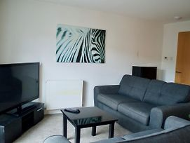1 Bedroom Apartment By The Shore Area Of Leith Sleeps 2 photos Exterior