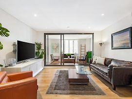 Surry Hills Modern Two Bedroom Apartment photos Exterior
