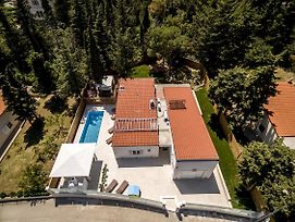 Luxury Villa With A Swimming Pool Split - 13408 photos Exterior