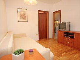 Apartments With Wifi Omis - 9460 photos Exterior