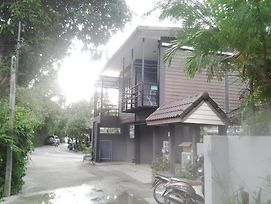 Aree Guesthouse2 photos Exterior