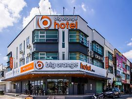 Big Orange Hotel Jitra photos Exterior