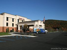 Hampton Inn Harriman Woodbury photos Exterior