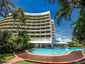 Hilton Cairns photos Exterior