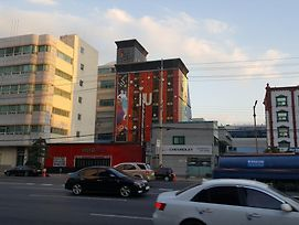 Iu Motel Changwon photos Exterior