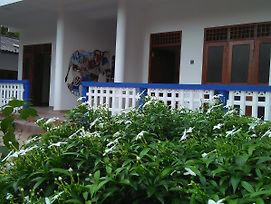 Charith Home Stay photos Exterior