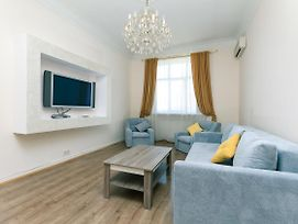 Two Bedroom Apartment, The Very Center Of The Kiev In Silent Place photos Exterior