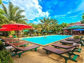 Lanta Klong Nin Beach Resort photos Exterior