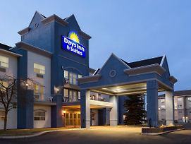 Days Inn & Suites By Wyndham Brooks photos Exterior