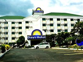 Days Hotel Batangas photos Exterior