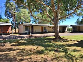 Wangaratta North Family Motel photos Exterior