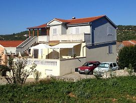 Apartments With A Parking Space Sali Dugi Otok 8185 photos Exterior