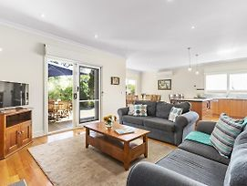 Tranquility In Cowes - Pets, Fireplace, Wifi, Linen, 350M Beach, 4 Bdrms photos Exterior