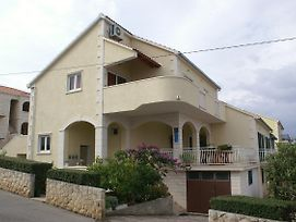 Apartments With A Parking Space Supetar Brac 2850 photos Room
