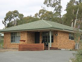 Kyneton Bushland Resort photos Exterior