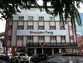 Hotel Strawberry Fields photos Exterior