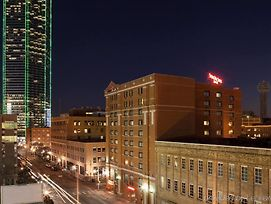 Springhill Suites By Marriott Dallas Downtown / West End photos Exterior