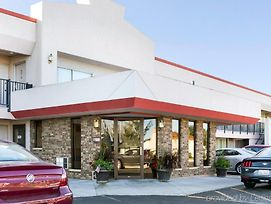 Econo Lodge Wall photos Exterior