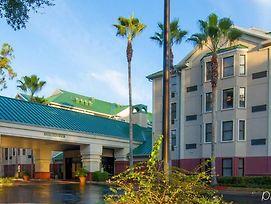 Hampton Inn & Suites Tampa North photos Exterior