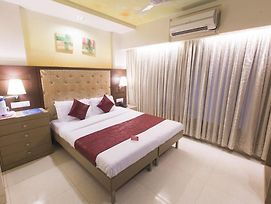 Oyo Rooms Link Road Malad Mumbai photos Exterior