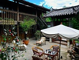 Sleepy Inn Lijiang photos Exterior