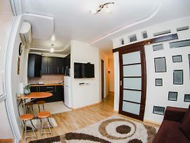1 Bedroom Studio Flat In The Heart Of Chisinau photos Exterior