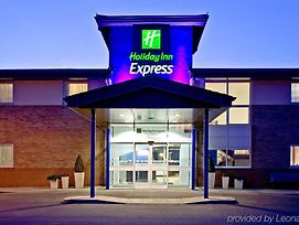 Holiday Inn Express Shrewsbury photos Exterior