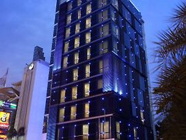 Holiday Inn Express Jakarta Thamrin photos Exterior