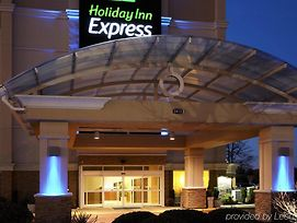 Holiday Inn Express Hampton - Coliseum Central photos Exterior