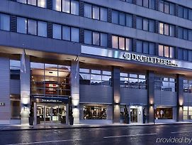 Doubletree By Hilton London Victoria photos Exterior