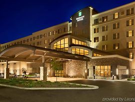 Embassy Suites By Hilton Akron Canton Airport photos Exterior