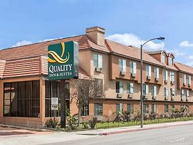 Quality Inn & Suites Bell Gardens-Los Angeles photos Exterior