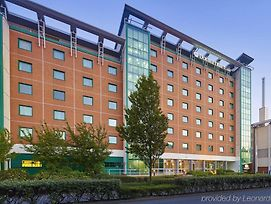 Doubletree By Hilton Hotel Woking photos Exterior