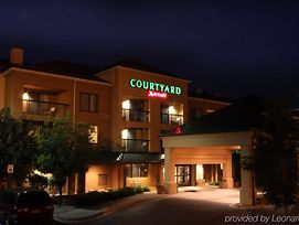 Courtyard Flint By Marriott photos Exterior