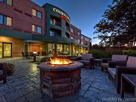 Courtyard By Marriott Memphis Southaven photos Exterior