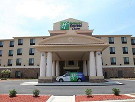 Holiday Inn Express & Suites Huntsville Airport photos Exterior