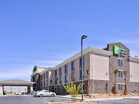 Holiday Inn Express Hotel & Suites Indio photos Exterior