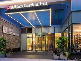 Hilton Garden Inn New York/Central Park South-Midtown West photos Exterior