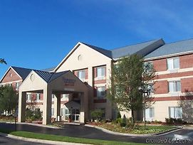 Fairfield Inn & Suites By Marriott Detroit Farmington Hills photos Exterior