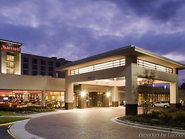 Holiday Inn Chesapeake photos Exterior