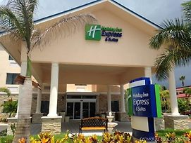 Holiday Inn Express & Suites Lantana photos Exterior