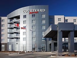 Courtyard By Marriott Calgary Airport photos Exterior